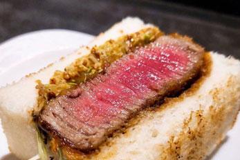 手の込んだ多彩な肉料理